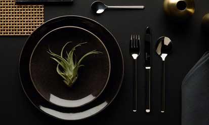 Einheitliches Besteck unterstreicht den eigenen Stil bei Tisch